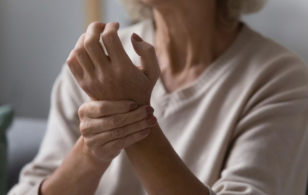 Eteisvärinä oireilee epäsäännöllisenä pulssina.