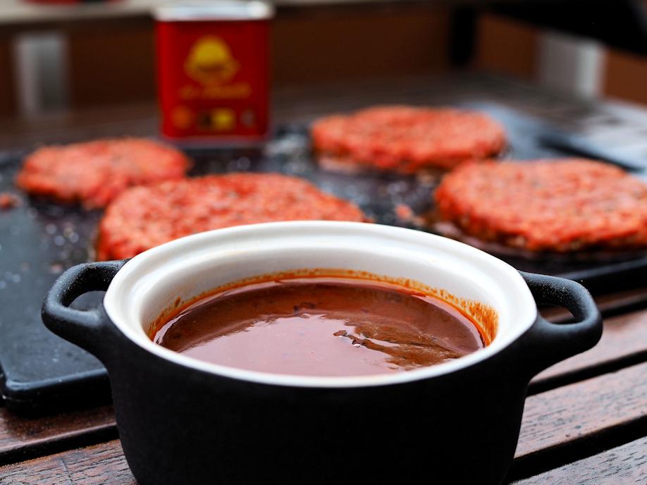 Savupaprikamarinadi ja grillikastike