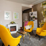 Mitkä trendit vaikuttavat rakentamiseen, sisustamiseen ja asumiseen juuri nyt? Kouvolan asuntomessukohteissa on nähtävissäesimerkiksi rohkeaa värien käyttöä ja taidetta. Kuvassa kohde numero 25, Esikko.