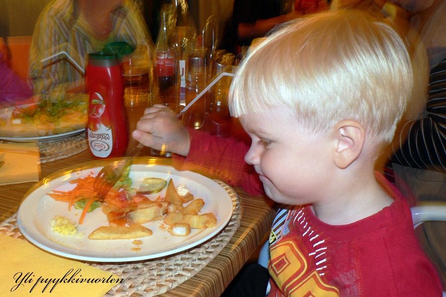 lapsiperhe, ravintola