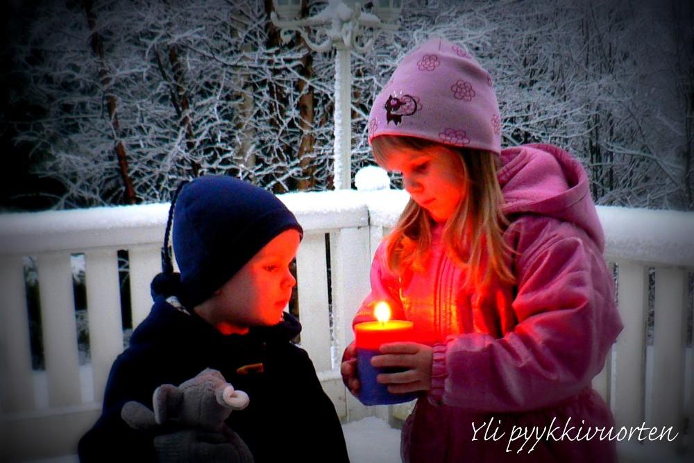 joulukortti lasten valokuvista