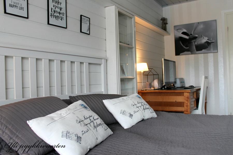 takkahuone, makuuhuone, omakotitalo, moderni ja scandinaavinen sisustus, yli pyykkivuorten, takka, omakotitalo, sisustaminen, harmaa, interior