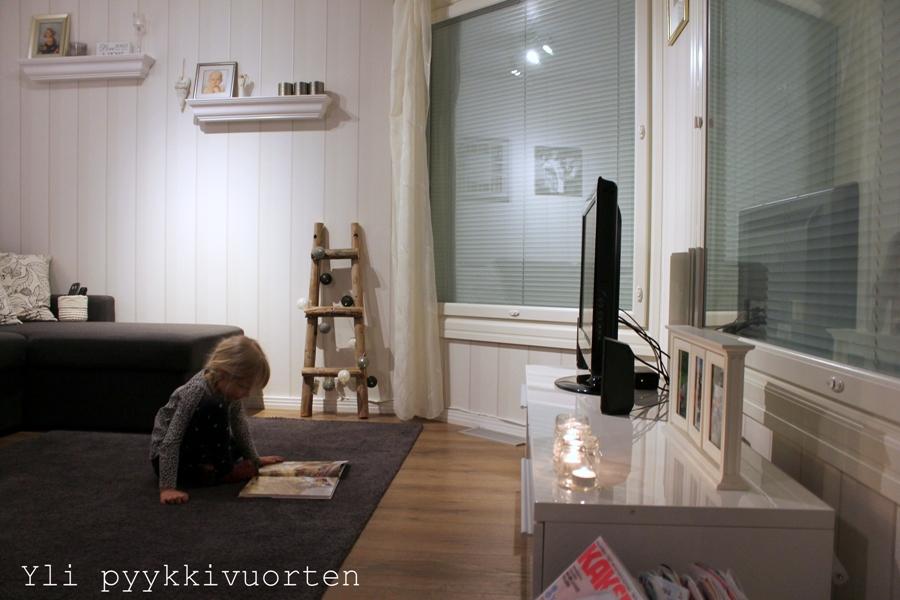 sisustus, sisustaminen, Jysk, sohvapöytä, Liatorp, Ikea, moderni sisustaminen, interior, skandinaavinen sisustaminen, Yli pyykkivuorten, Kaksplusblogit